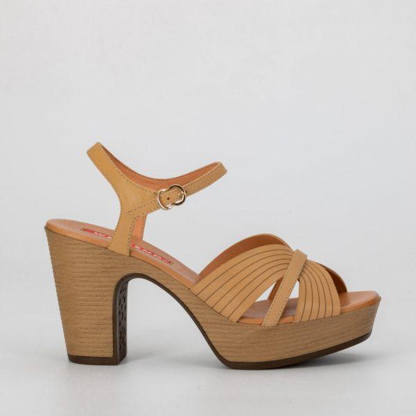 Zapatos cómodos beig , zapato camel mamá de comunión, zapato weekend AOSTA , sandalias weekend, zapatos de madera